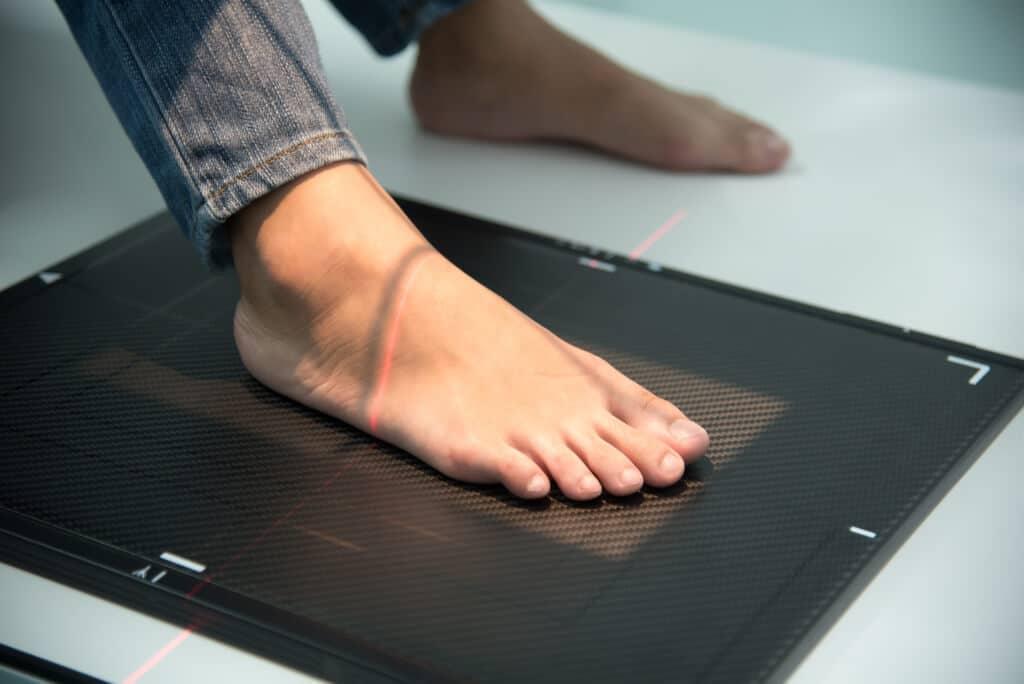 Radiografia del piede con paziente seduto